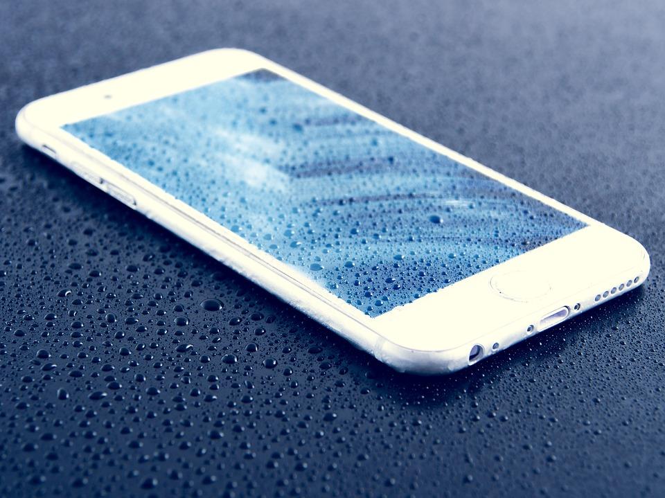 Resistente al agua - Smartphone - Mamás360